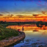 Послезакатная рыбалка. :: Gene Brumer