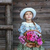 Маленькая цветочница :: Марина Кузьмина