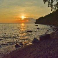 Закат на Онежском озере :: Ирина Бархатова