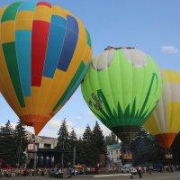 Одновременный старт трёх воздушных шаров. :: Vladimir 070549