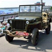 Моторы Сталинграда на празднике День города :: Александр