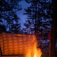 Согревающий костер в походе по Карелии на Гимольском озере :: Тати Фокс