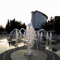 Туапсе, фонтан. :: Алексей Golovchenko