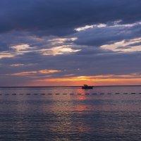 Закат .Адриатическое море. :: Татьяна Калинкина