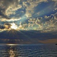 ... жизнь на забытом всеми острове... :: Александр Бойко