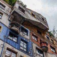 Дом Хундертвассера в Вене :: Вадим *