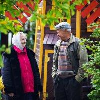 Бабушка рядышком с дедушкой . :: Андрей