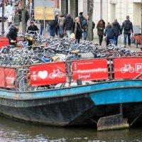 альтернативная парковка для велосипедов:-)) :: Olga