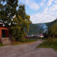 Осень у дверей сельмага :: Екатерина Торганская