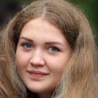 Полина, восьмиклассница. :: Пётр Четвериков