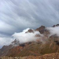 Погода в горах очень переменчива. :: Anna Gornostayeva