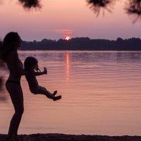 Мамочка и доченька :: Ира Никина