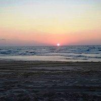 закат на Средиземном море :: Anna Sokolovsky