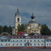 Собор в городе Мышкин. Вид с Волги. :: Сергей Тагиров