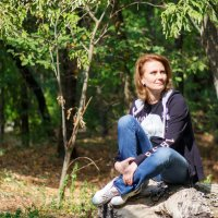 Девушка в лесу :: Дмитрий Максимовский