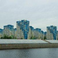 Новый микрорайон в Нижнем Новгороде на берегу Волги :: Сергей Тагиров