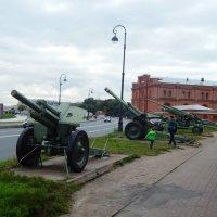 У музея артиллерии :: Виктор Егорович