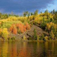 Осенних красок отраженье :: Галина Подлопушная