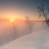 Туманным утром на восходе :: Владимир Миронов