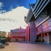 20 сентября открытие огромнейшего китайского ресторана в Гавани. :: Татьяна Полянская