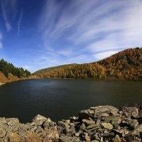 Озеро в горах :: Сергей Жуков