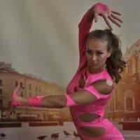 Девушка-гимнастка :: Юрий Пузанов