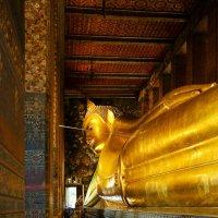 Ват Пхо - храм Лежащего Будды. :: Сергей Калиновский