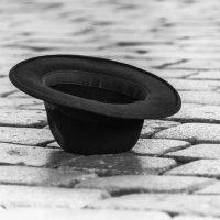 Hat on the floor :: Алина Ванага