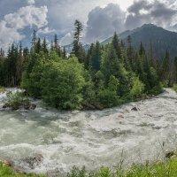 Река Гоначхир после слияния рек Клухор и Буульген :: anatoly Gaponenko