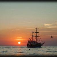 ...и шел корабль на закат, и солнце пало к горизонту... :: Евгений Khripp
