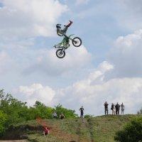 Полёт на мотоцикле :: Ольга Долбилина