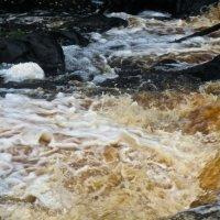 бурление Рускеальского водопада :: Елена