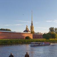 Осенний вечер у Петропавловки :: Александр Кислицын