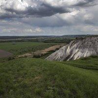 На меловых холмах весной. :: Юрий Клишин