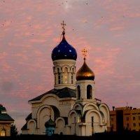 Храм в закатном небе :: Александр Прокудин