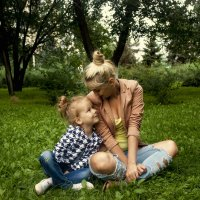 Семейная прогулка :: Anton Shumaev