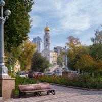 Осень в городе :: Алексей Головин