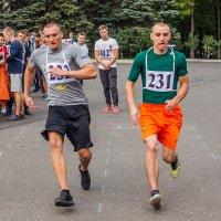 челночный бег :: Олег Никитин