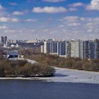 А из нашего окна... :: Владимир Брагилевский
