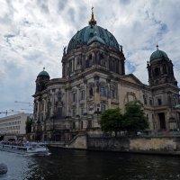 Berliner Dom over Spree :: Roman Ilnytskyi