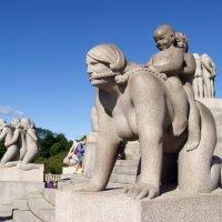 В парке Вигеланда в Осло :: Лара Амелина