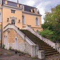 Бар.Дворец короля Николы (построен в1885г).Черногория. :: Татьяна Калинкина