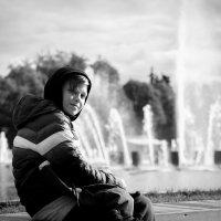Мальчик у фонтана :: Светлана Шмелева