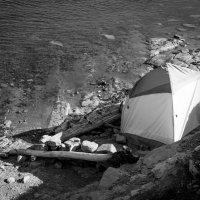 В палатке :: Евгений
