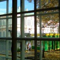 Вид из окна трапезной на Александра-Невскую Лавру. :: Светлана Калмыкова