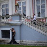 Двое у дворца :: Александра