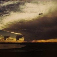 Грозовое облако над озером Белё. Хакасия. 26.07.2005 :: Елена Павлова (Смолова)