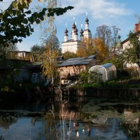 Плёсовский дворик, с прудиком :: Игорь Сорокин