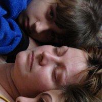 любовь мамы к детям .. :: Polina Pavliuk