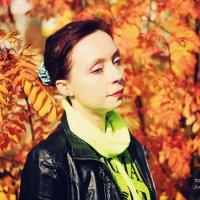 Красивый женский осенний портрет :: Андрей Ситников